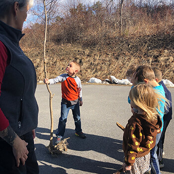 Kids learning about nature at Toddle Inn